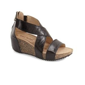 Josef Seibel Meike Leather Wedge Sandal Black 10